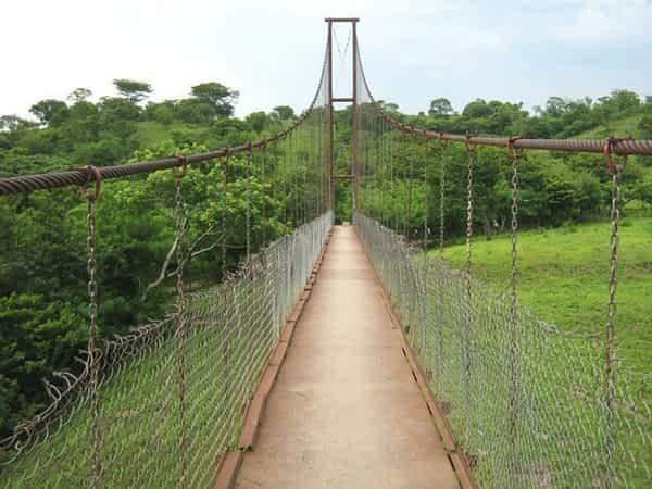 Puente Colgante sobre el Río Torola, Carolina, San Miguel, El Salvador